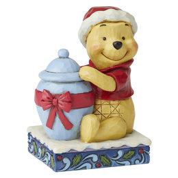 winnie-the-pooh-christmas-mini-figurine
